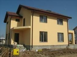 construim case la rosu-cheie